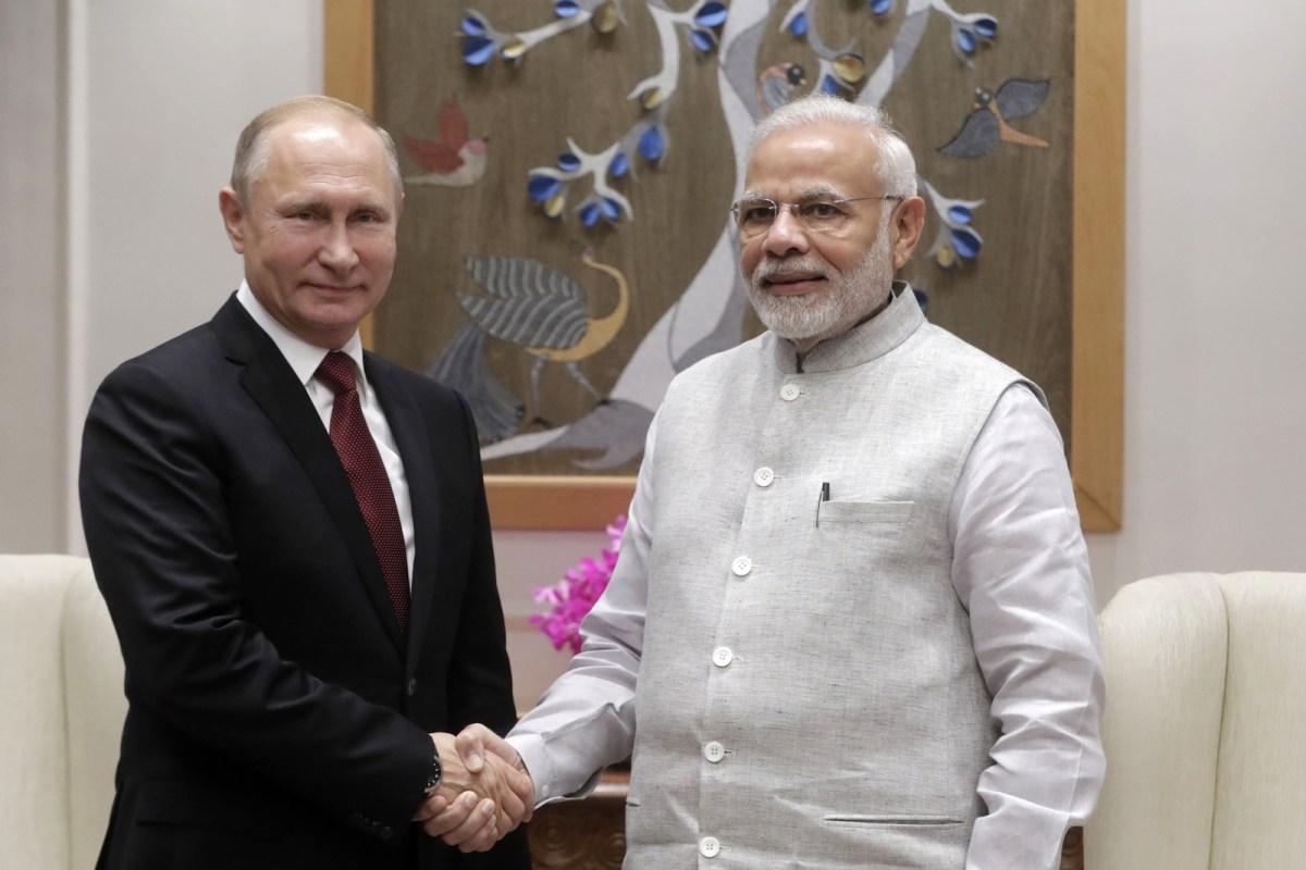 Russian President Vladimir Putin and Indian Prime Minister Narendra Modi meet in New Delhi on October 4, 2018. Photo: AFP/Sputnik/Mikhail Metzel