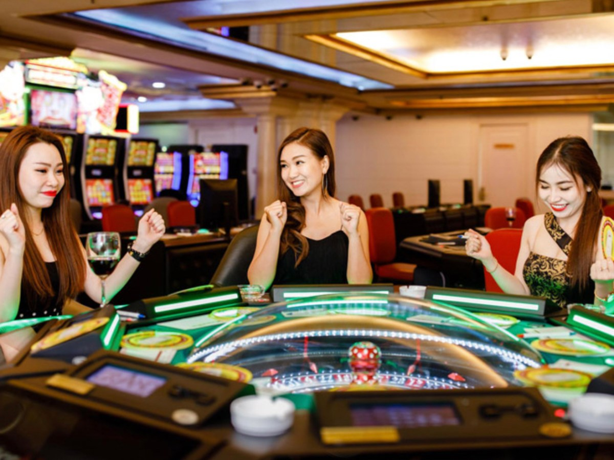 Vietnamese punters at the Grand Casino in Hanoi. Photo: Facebook