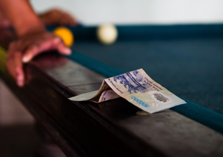 money beting in  the billilards