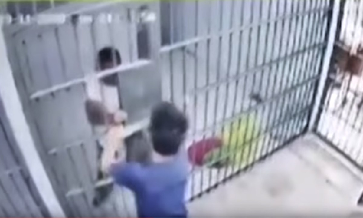 Anan fooled the police guard and escaped from his cell. Photo: YouTube