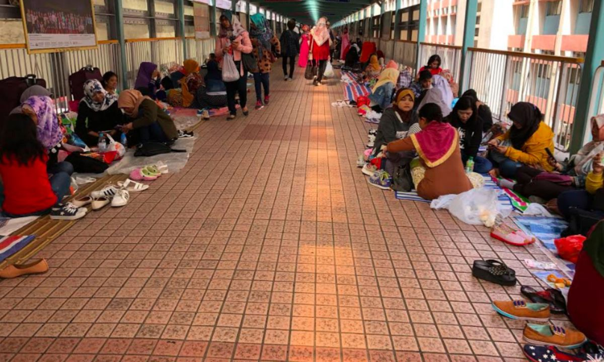 Domestic workers in Mong Kok, Kowloon. Photo: Asia Times