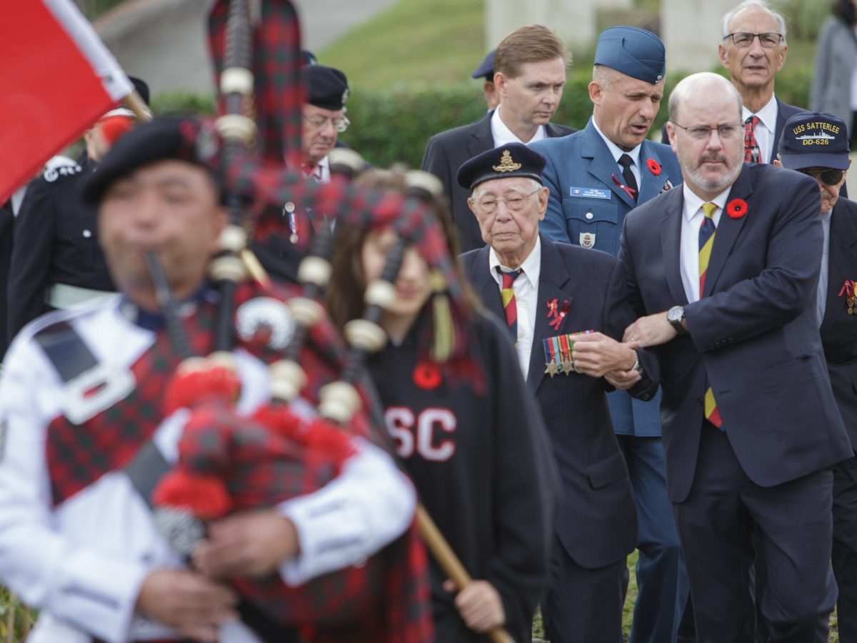 Canadian Consul Jeff Nankivell (right) and war veterans pay tribute to the fallen at the Sai Wan War Cemetery in Hong Kong on December 2, 2018. Photo: Canadian Consulate General