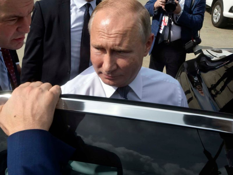 Russia's President Vladimir Putin boarding a car upon arrival at Ezeiza International airport in Buenos Aires, on November 30, 2018. Photo: AFP via by G20 Press Office