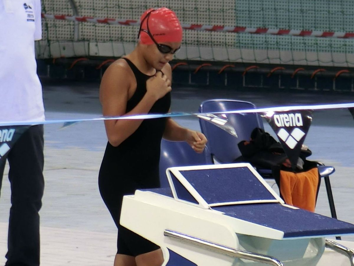 Micaela Jasmine Mojdeh, 12, won several gold medals and beat her own Philippine national record in a swimming competition in Dubai. Photo: Facebook/Philippine Swimming League