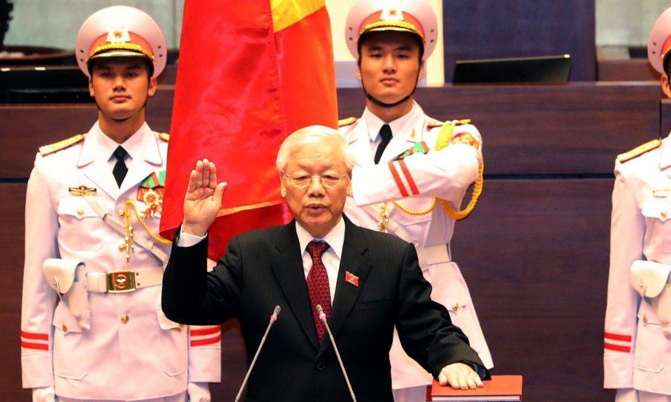 越共總書記阮富仲於2018年10月23日在河內國民議會大廳宣誓就任國家主席。相片:Vietnam News Agency via AFP