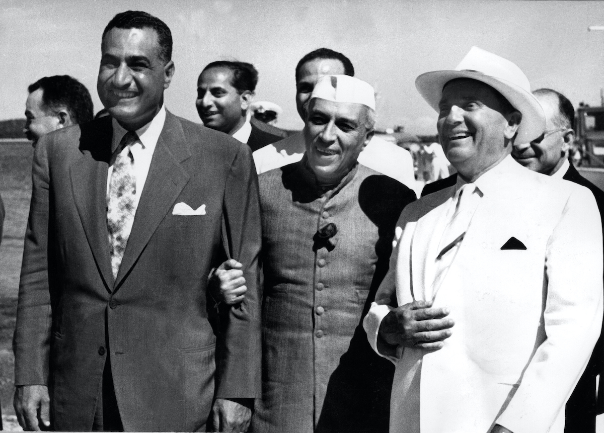 Yugoslav President Marshal Josip Broz, better known as Tito (R, 1892-1980) shares joke with Egyptian President Gamal Abdel Nasser (L) and Indian Prime Minister Jawaharlal Nehru (C) in July 1956 at Brioni Island during a Non-Aligned Movement summit. (Photo: AFP)