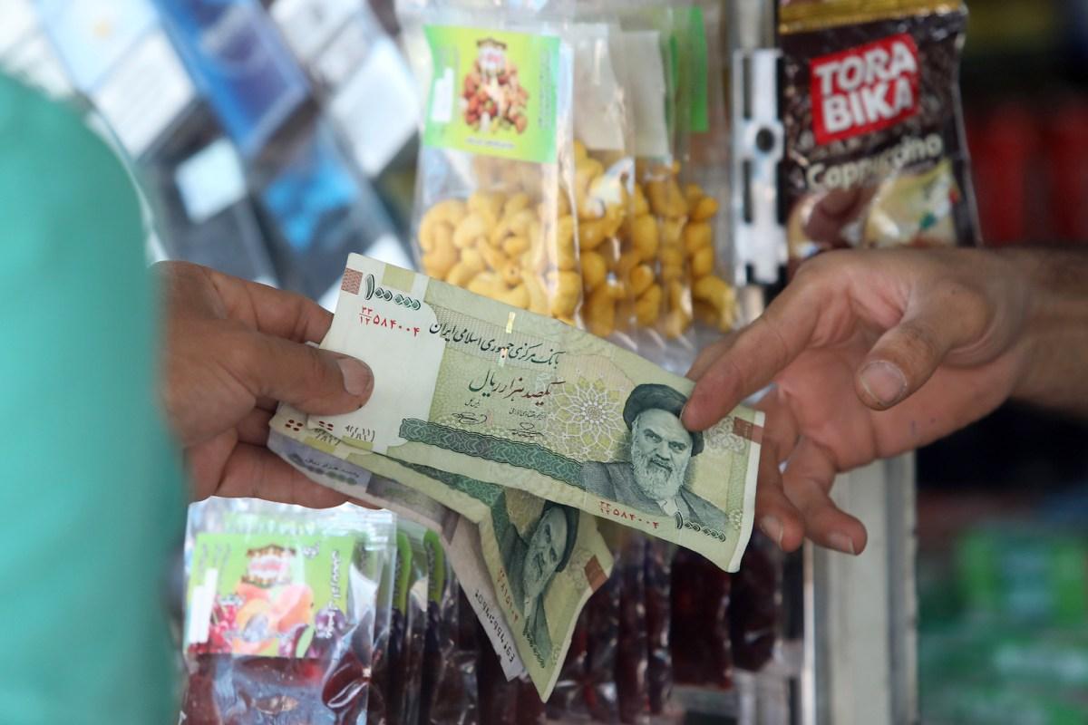 Iran in turmoil as rial goes into free fall