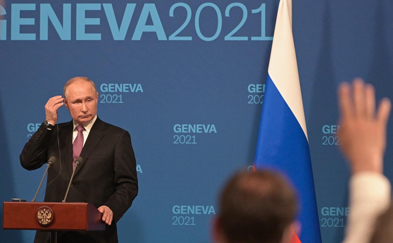 Russian President Vladimir Putin holds a news conference after a meeting with his US counterpart Joe Biden at the Villa La Grange in Geneva, Switzerland. Photo: AFP / Sergey Guneev / Sputnik