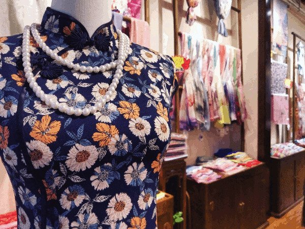 Best Places to Visit in Asia - Cheongsam