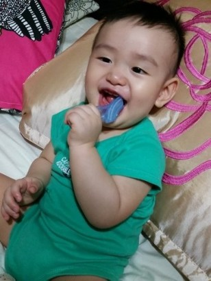 baby toothbrush in use 1