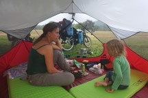 Frühstück nach einer derzeit seltenen Zeltnacht