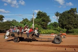 weit verbreitetes, traktorartiges Gefährt