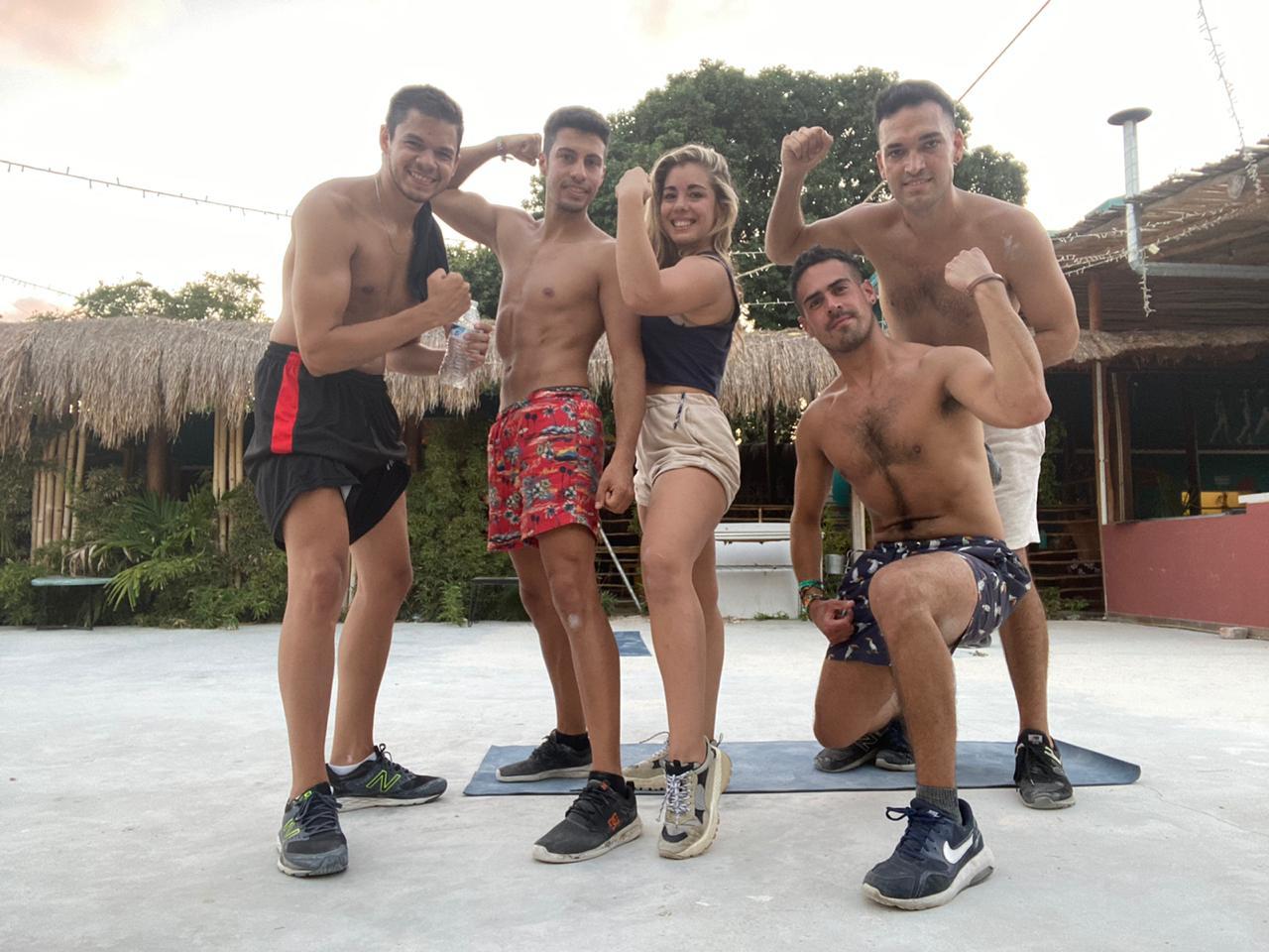 turistas varados-asi es cancun-argentinos