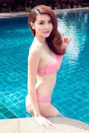 Ngoc Duyen Bikini Picture and Photo