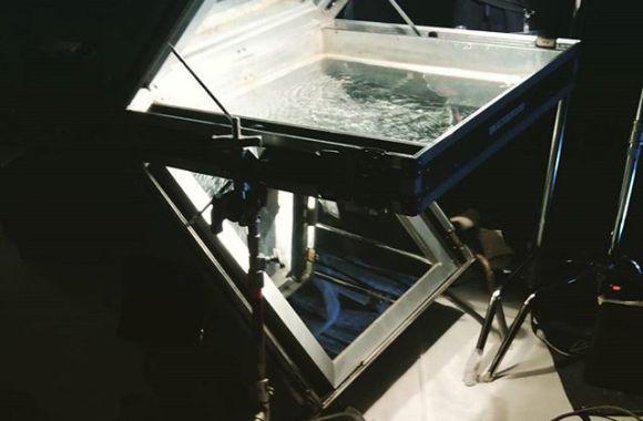 波紋投影装置