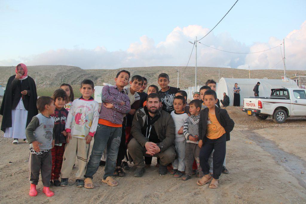 Sinan et les enfants du camp d'Essain