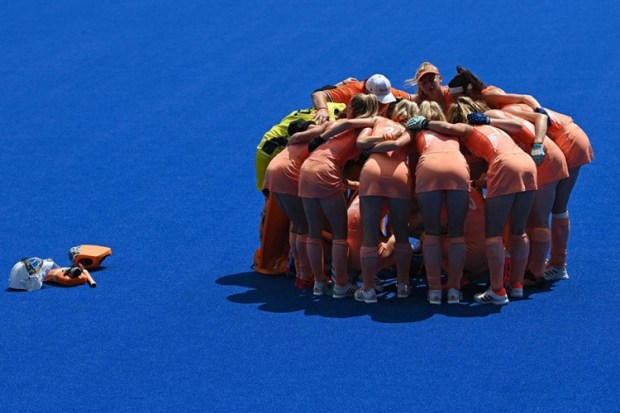 Dogovor nizozemskih kriketašica uoči meča, Foto: Tanjug/AP