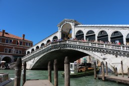 Of course, the famous Rialto bridge! Who could have missed it?