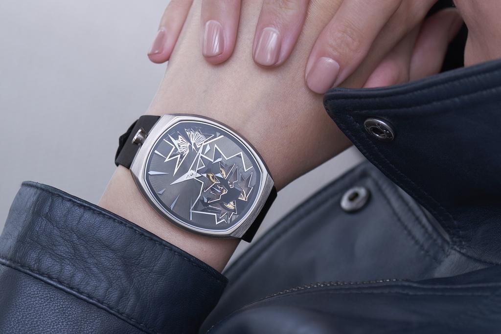 Entropy Black Bang wrist lady