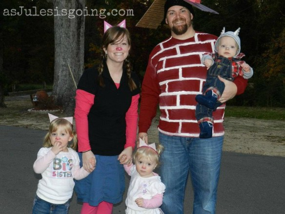 Halloween Costume Ideas For Family Of 3 With Toddler.Family Halloween Costumes As Jules