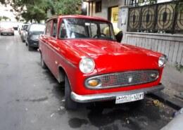 هل ممكن لاقي شخص يملك مثل هالسيارة تمشي على الطرقات غير سيارتنا toyota tiara 1963