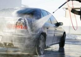 هل يضر غسيل السيارة (بالبرشر) وهي في وضعية التشغيل ، (ضرر مكيانيكي او كهربائي )