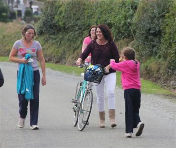 Renata & Eamonn's Fun Run Walk Cycle 5-10-14 (173)