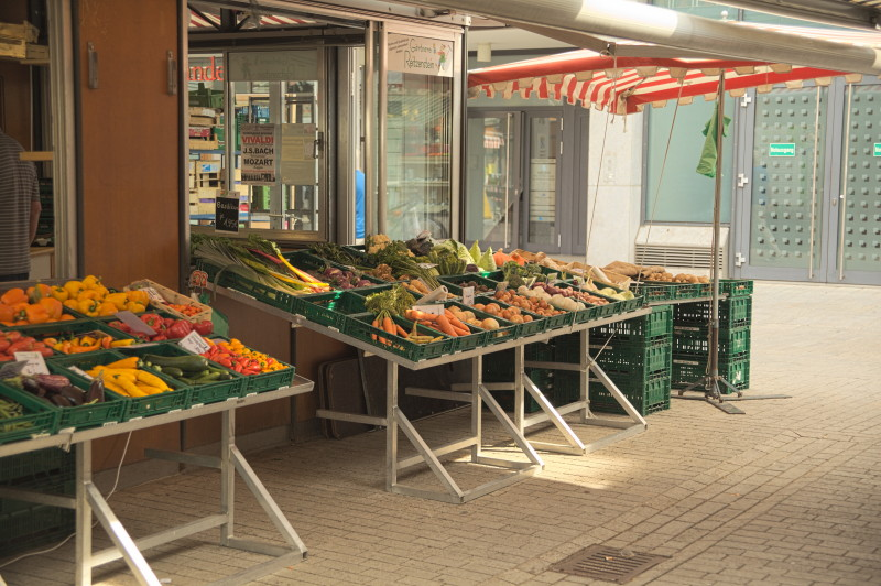 Vegetable stand