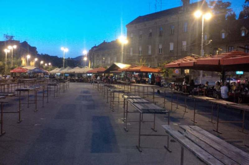 Nightlife at Britanski market
