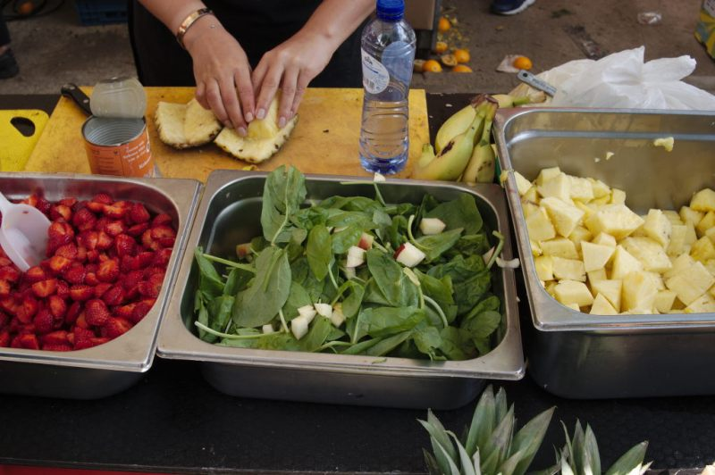Preparing the salad at Lindengracht market