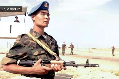 солдат армии Казахстана