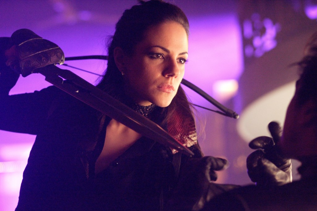 Bo threatening Vex in Lost Girl 1x08