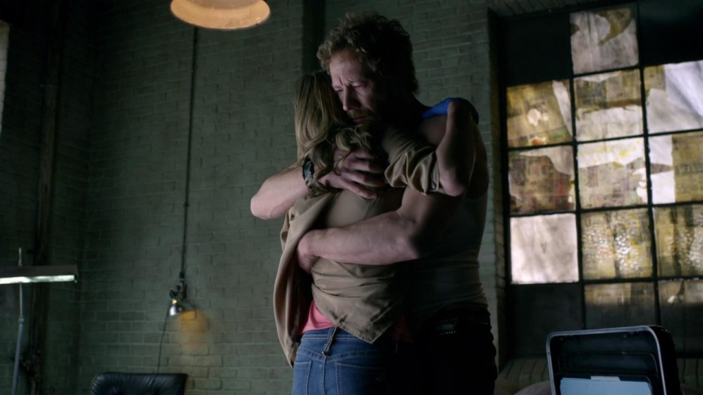 Dyson and Lauren hug in Lost Girl 3x06
