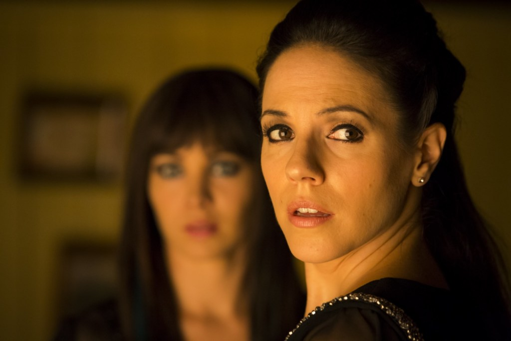 Bo and Kenzi in Lost Girl 4x06