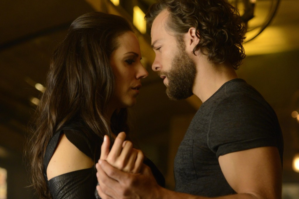 Bo and Rainer in Lost Girl 4x10