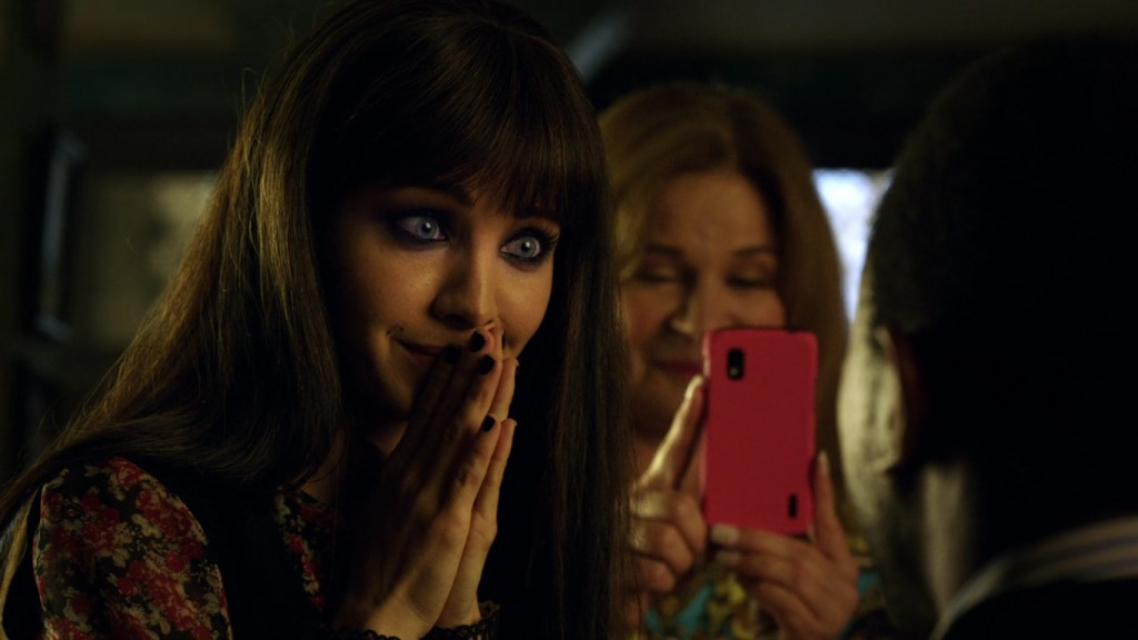Kenzi being proposed to in Lost Girl 4x11
