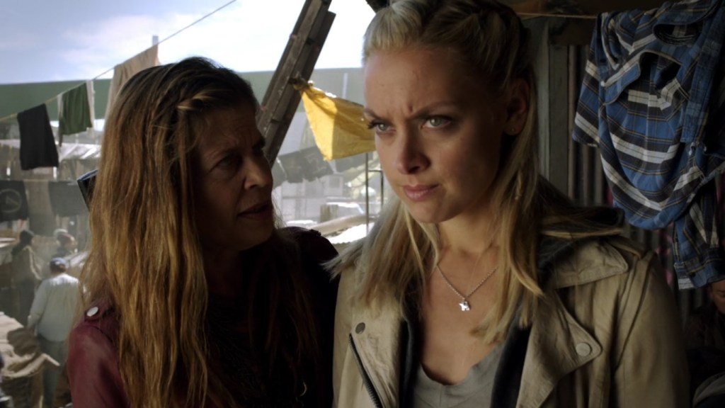 Tamsin and Acacia in Lost Girl 4x11