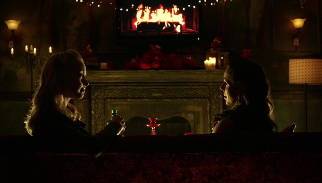 Tamsin and Bo in front of fire in Lost Girl 4x08