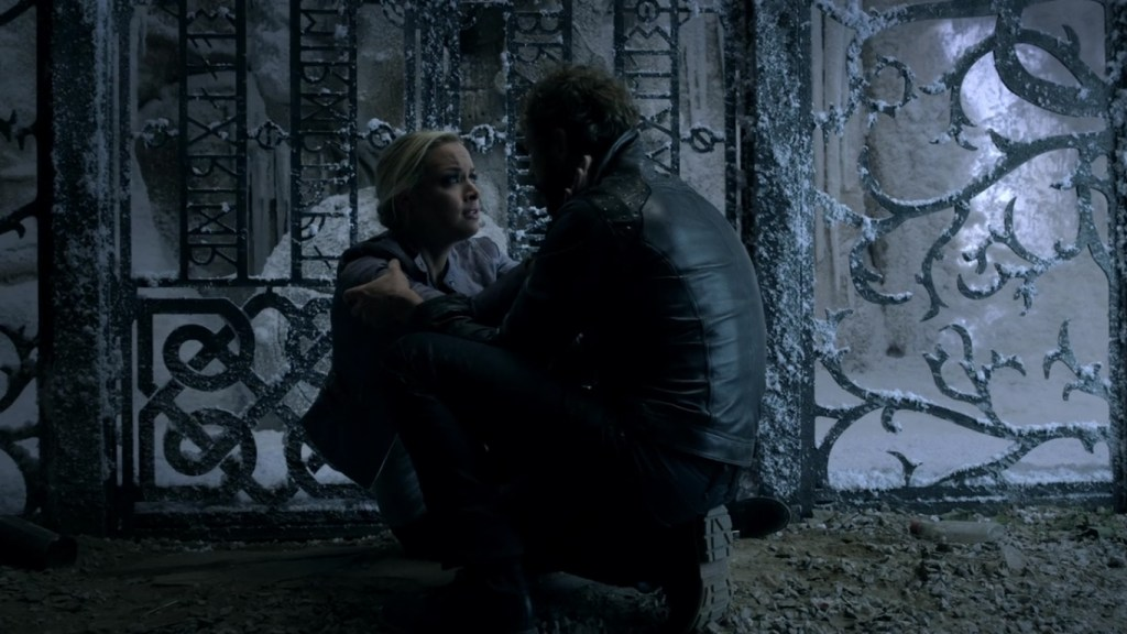 Tamsin and Dyson at Valhalla gate in Lost Girl 4x13