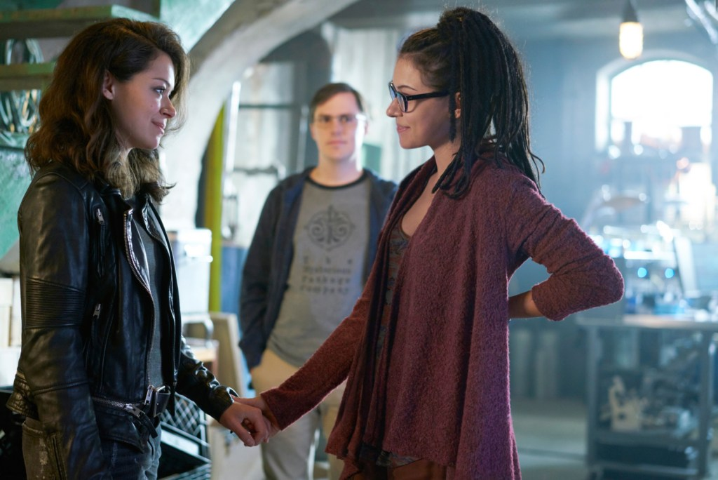 Sarah and Cosima reunite in Transgressive Border Crossing