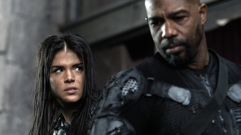 Octavia and Pike in The 100 Perverse Instantiation Part 2