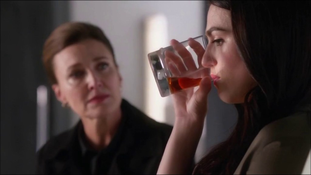Lena and Lillian Luthor in Supergirl 2x22