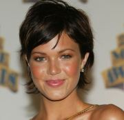 funky mandy moore short hairstyles