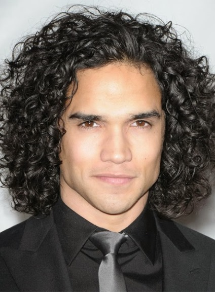 20 Unique Curly Hairstyles For Men