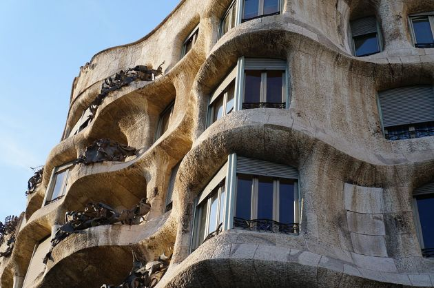 Дом Мила – последний светский проект Антонио Гауди