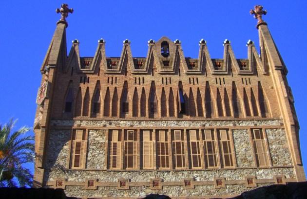 В колледже ордена Святой Терезы в Барселоне и сегодня обучаются молодые монахини