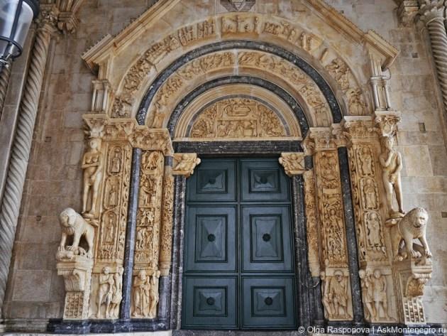 Собор св. Лаврентия портал