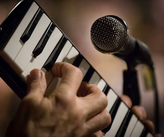 Best Melodica – Buyer's Guide