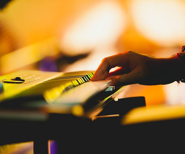 Best Electric Piano – Buyer's Guide