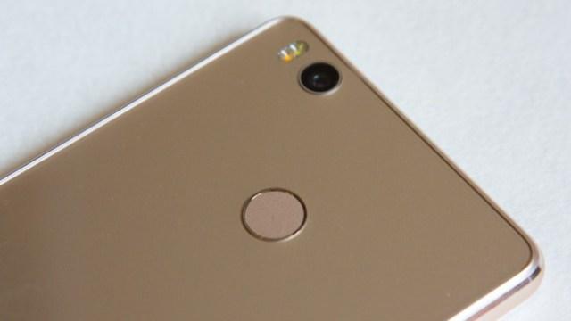 Xiaomi Mi4s - Back side